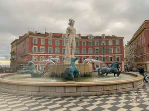 Place Massena fountain Soleil in old town Nice